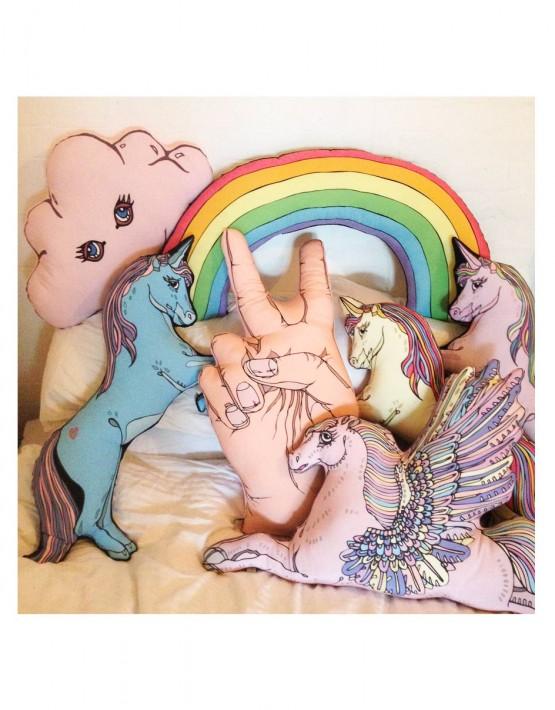 CUSHIONS_rainbow-IN-SITU_2