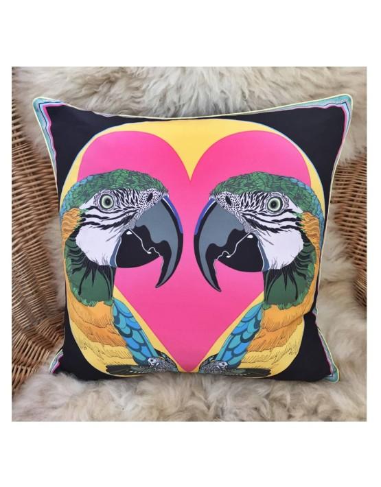 CUSHIONS_love-birdst-IN-SITU_2